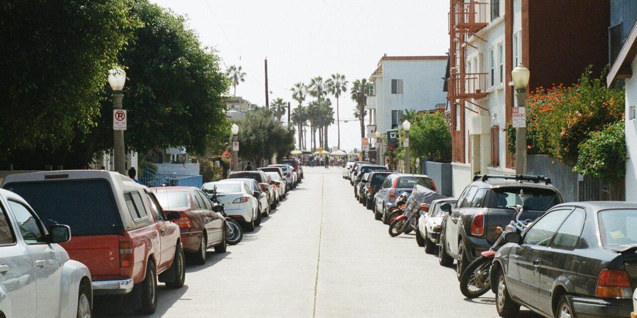 Scatta la fase 2. A Chiavari i parcheggi tornano a pagamento e riparte lo spazzamento delle strade